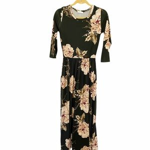 Reborn J Chloe Hunter Floral Maxi Dress